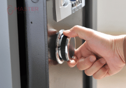 Safe Opening And Repair- Master Locksmith